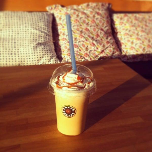 Foto tirada no(a) Cotta Coffee por Gunes O. em 6/20/2013