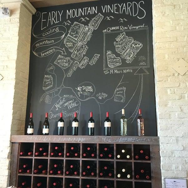 Снимок сделан в Early Mountain Vineyards пользователем Chris R. 9/4/2016