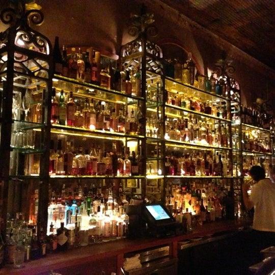 Das Foto wurde bei Macao Trading Co. von Teresa L. am 12/14/2012 aufgenommen