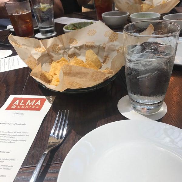 Foto scattata a Alma Cocina da Logan S. il 8/21/2017