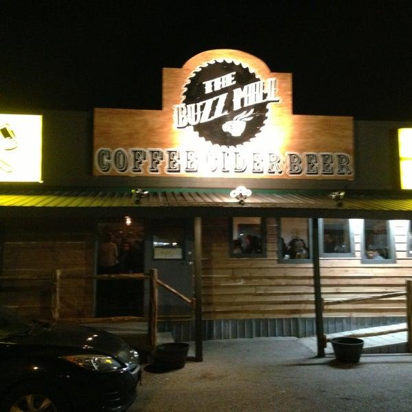 Das Foto wurde bei Buzzmill Coffee von Lee H. am 1/20/2013 aufgenommen