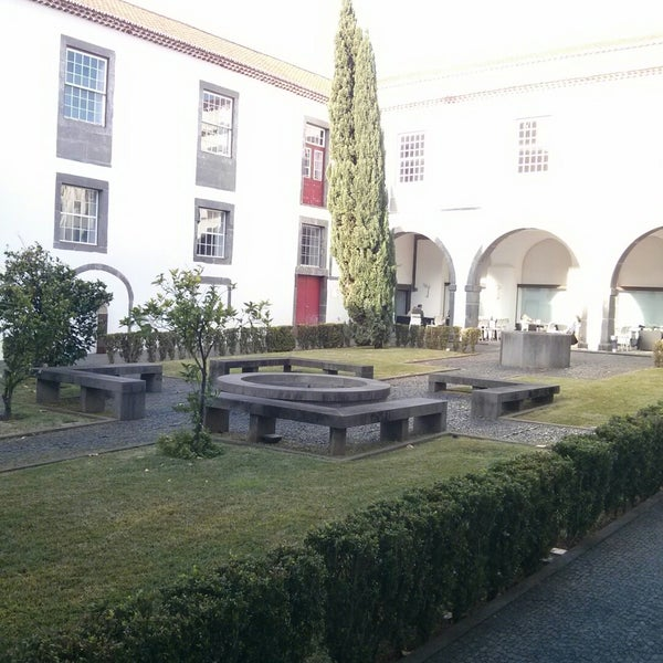 Foto diambil di Colégio dos Jesuítas do Funchal oleh André A. pada 12/17/2014