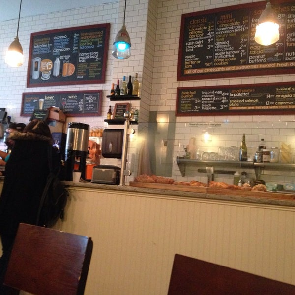 Delicious capuccino. Very nice waitress :)