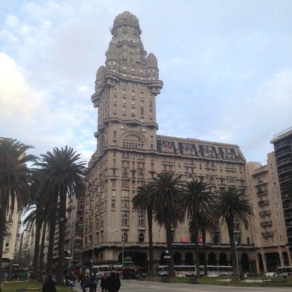 Foto diambil di My Suites Boutique Hotel & Wine Bar Montevideo oleh Fabio C. pada 8/31/2013
