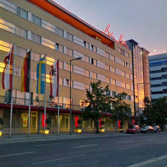 9/12/2013 tarihinde Tommi L.ziyaretçi tarafından Hotel Berlin'de çekilen fotoğraf