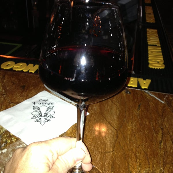 Снимок сделан в Cafe Firenze пользователем Heather V. 4/25/2013