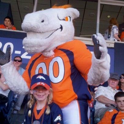 Foto diambil di Broncos Stadium at Mile High oleh Todd F. pada 9/23/2012