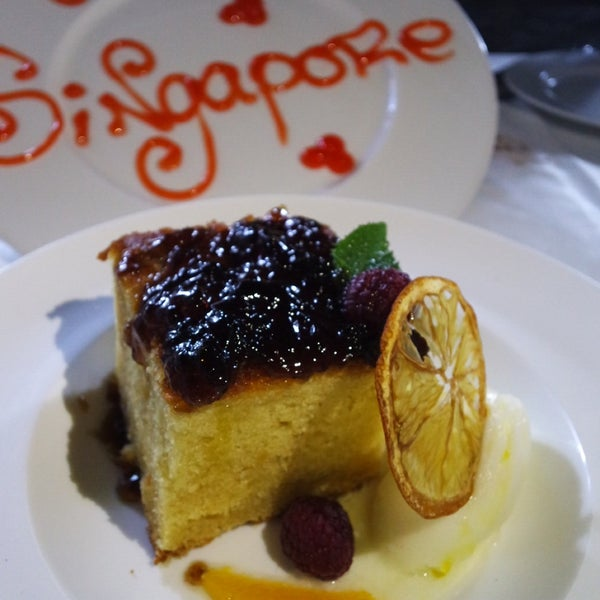 Excellent service and great food! Do ask for rooftop seats! We went with the recommendations of the waiter and had a great time. The olive oil cake with PX liquor jelly, the Cordoba cake was super!
