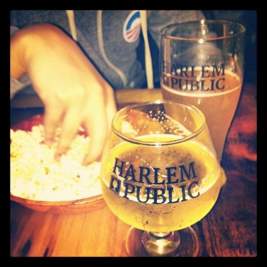 รูปภาพถ่ายที่ Harlem Public โดย Katrina M. เมื่อ 9/30/2012