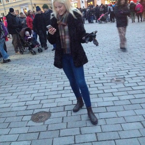 Foto scattata a Vanhan Suurtorin Joulumarkkinat da Hilda T. il 11/30/2014