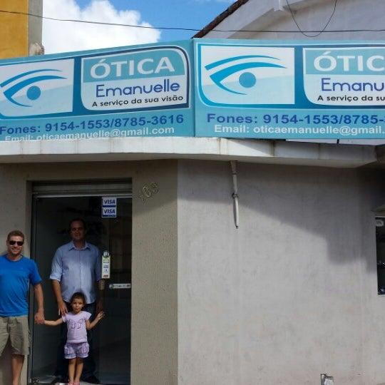 9b3d24aaeceaa Foto tirada no(a) Ótica Emanuelle - A Serviço da sua visão por Raquel