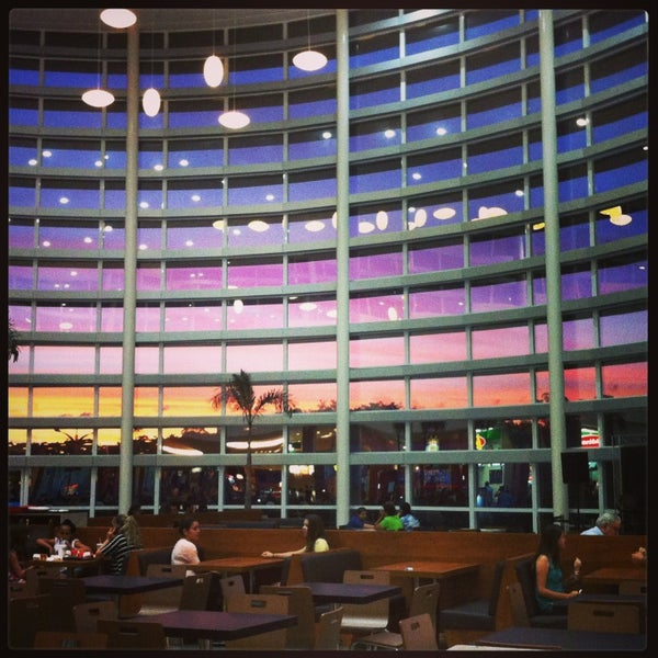 รูปภาพถ่ายที่ Shopping Park Europeu โดย Daiane M. เมื่อ 1/9/2013