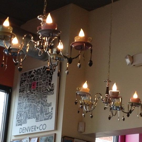 รูปภาพถ่ายที่ Jelly Cafe โดย Karen B. เมื่อ 9/23/2012