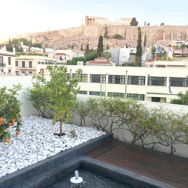 Foto scattata a Herodion Hotel da Ioanna il 5/7/2017