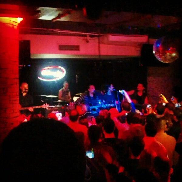 รูปภาพถ่ายที่ Olimpia V.I.P Club โดย Ersin Ö. เมื่อ 11/23/2012