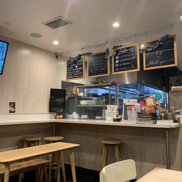 Das Foto wurde bei Chibiscus Asian Cafe & Restaurant von Jeff ✈. am 3/1/2019 aufgenommen