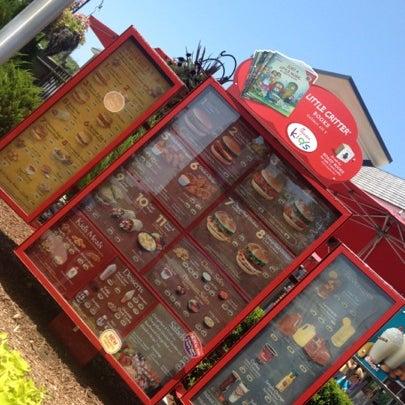 Foto diambil di Chick-fil-A oleh Alex R. pada 6/30/2012