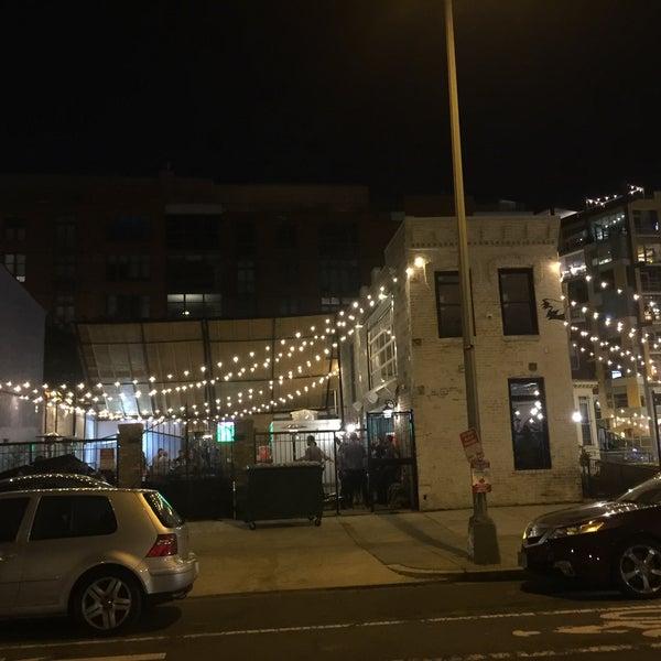 Foto tomada en Duffy's Irish Pub por Chale C. el 6/9/2017