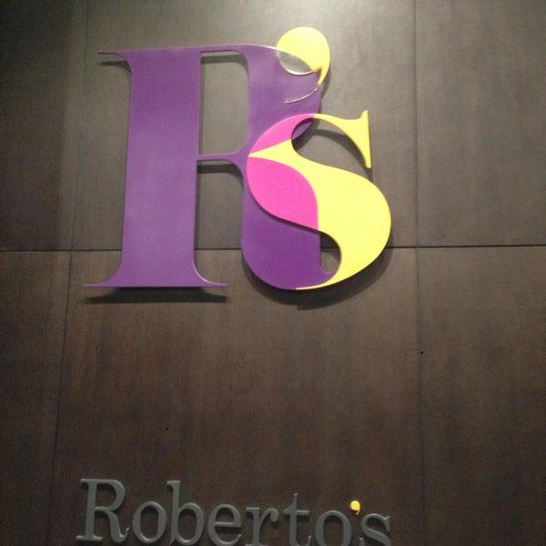 รูปภาพถ่ายที่ Roberto's โดย Ali A. เมื่อ 4/17/2013