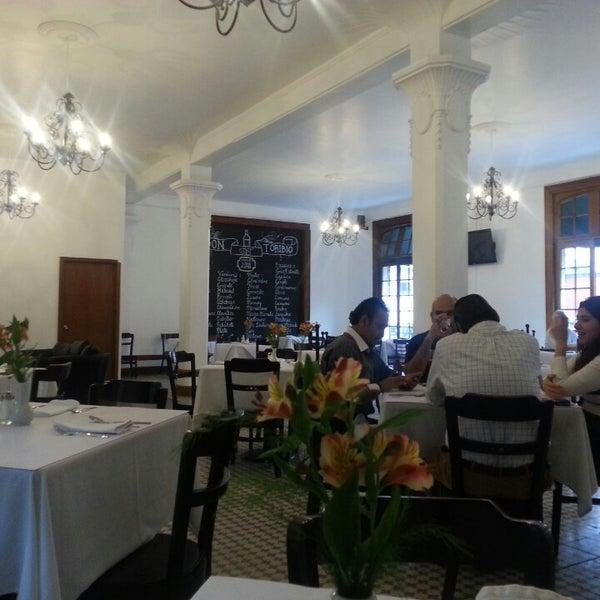 Se hizo grande Don Toribio! Excelente remodelación, los precios y la atención perfectos. Imperdible para una comida buena, bonita y barata en uno de los lugares más bonitos del centro.