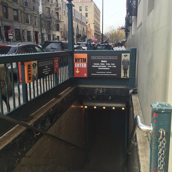 รูปภาพถ่ายที่ New York Transit Museum โดย Areli C. เมื่อ 1/21/2015