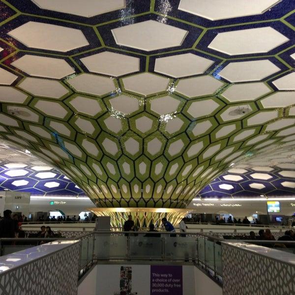 Photo prise au Abu Dhabi International Airport (AUH) par eLo le2/22/2013