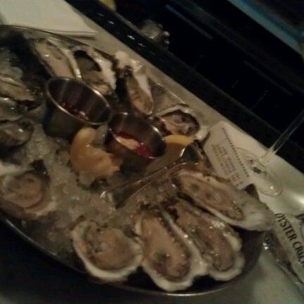 Foto scattata a Hank's Oyster Bar da Scott il 1/17/2013
