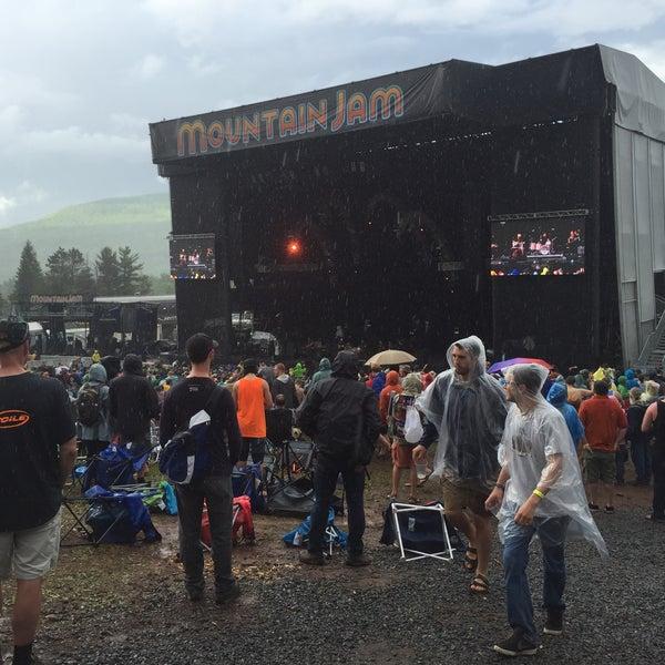 Das Foto wurde bei Mountain Jam von Michael M. am 6/5/2015 aufgenommen
