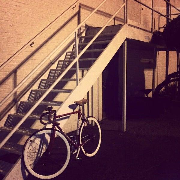 รูปภาพถ่ายที่ Marfreless โดย Eva K. เมื่อ 10/16/2012