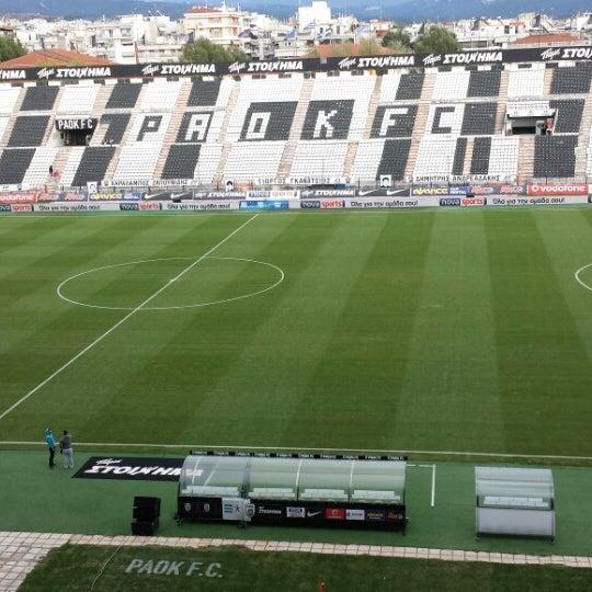 รูปภาพถ่ายที่ Toumba Stadium โดย Martha V. เมื่อ 10/6/2013