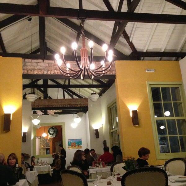 Foto tirada no(a) Zeffiro Restaurante por Sidnei P. em 6/8/2013