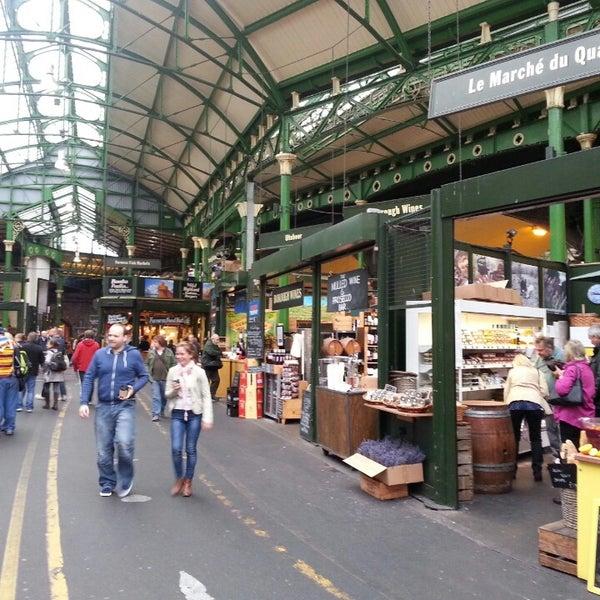 Foto tirada no(a) Borough Market por Sean R. em 10/19/2013