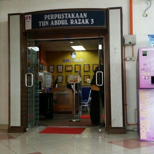 Perpustakaan Tun Abdul Razak Ptar 6 College Library In Shah Alam