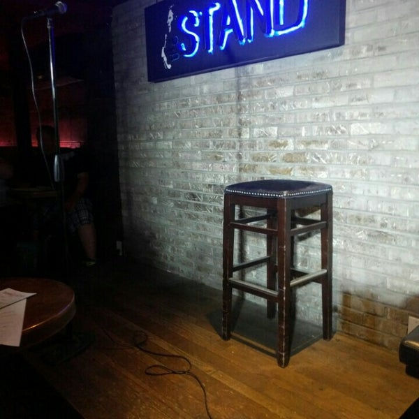 6/16/2016에 David Z.님이 The Stand Restaurant & Comedy Club에서 찍은 사진