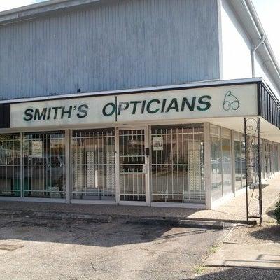 Photo prise au Smith's Opticians par Smith's Opticians le9/16/2013