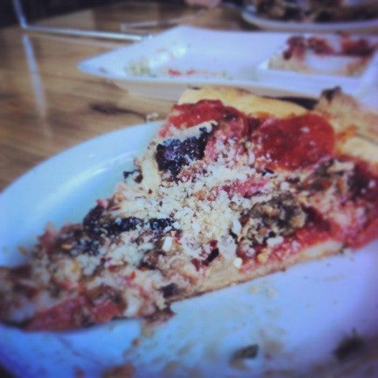 รูปภาพถ่ายที่ The Haven Pizzeria โดย Eric Q. เมื่อ 6/2/2014