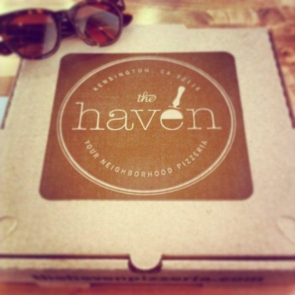 รูปภาพถ่ายที่ The Haven Pizzeria โดย Eric Q. เมื่อ 4/8/2014