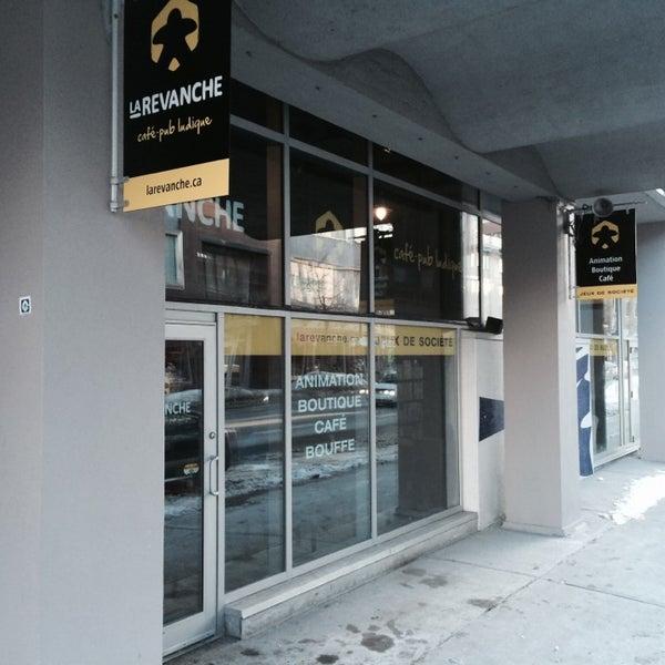Foto tirada no(a) La Revanche café-pub ludique por Dany S. em 3/23/2014
