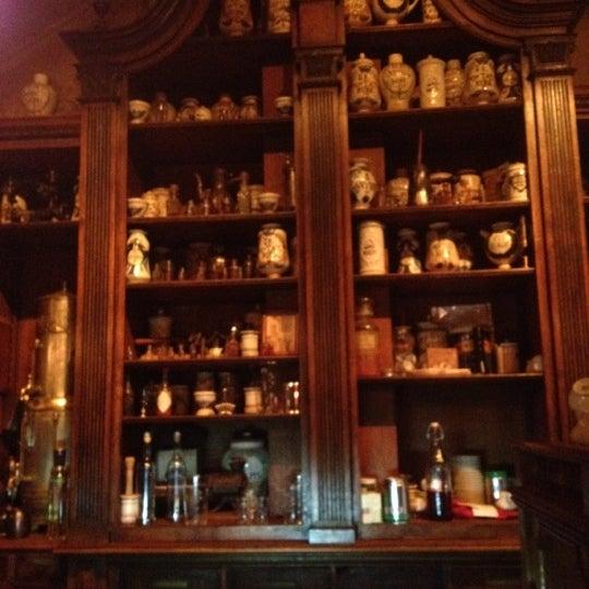 11/15/2012 tarihinde Melike D.ziyaretçi tarafından Cafe Pushkin'de çekilen fotoğraf