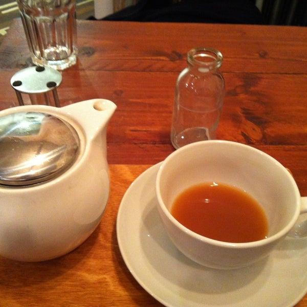 Foto diambil di Brew Lab Coffee oleh Robbie pada 2/19/2013
