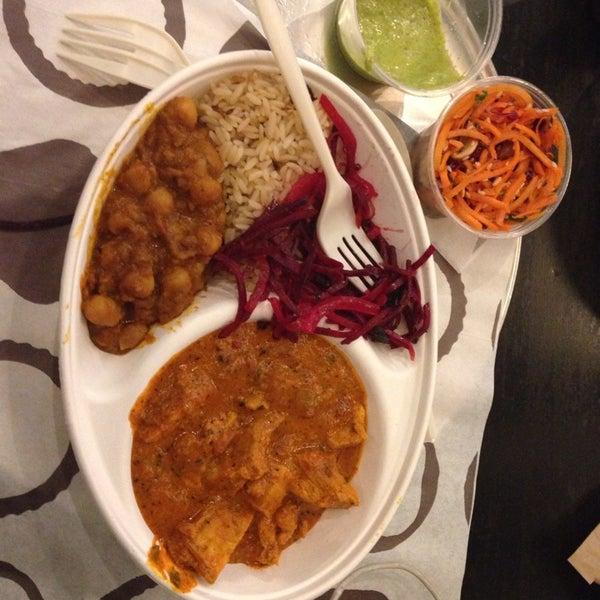 Foto tomada en Deep Indian Kitchen (Indikitch) por Andrew F. el 2/2/2014