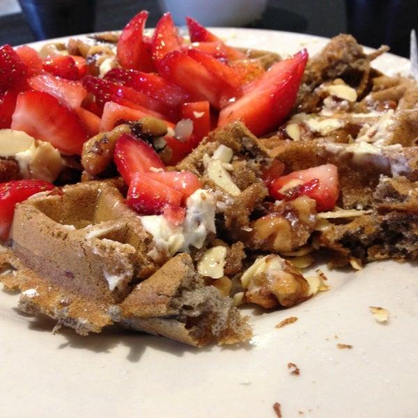Photo prise au Breakfast Club par Chad P. le4/16/2013