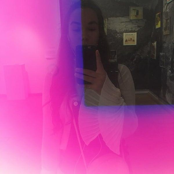 9/15/2019にAndi .がMai Manó Gallery and Bookshopで撮った写真