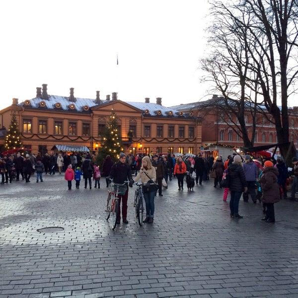 Foto scattata a Vanhan Suurtorin Joulumarkkinat da Emma T. il 12/14/2014