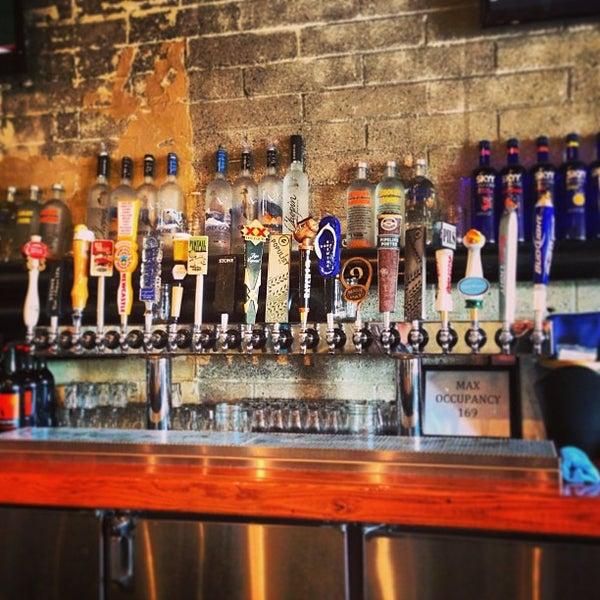 12/22/2012にLaljeet M.がUptown Tavernで撮った写真