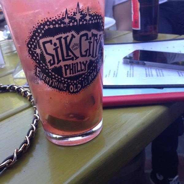 Снимок сделан в Silk City Diner Bar & Lounge пользователем Bryana G. 5/26/2013