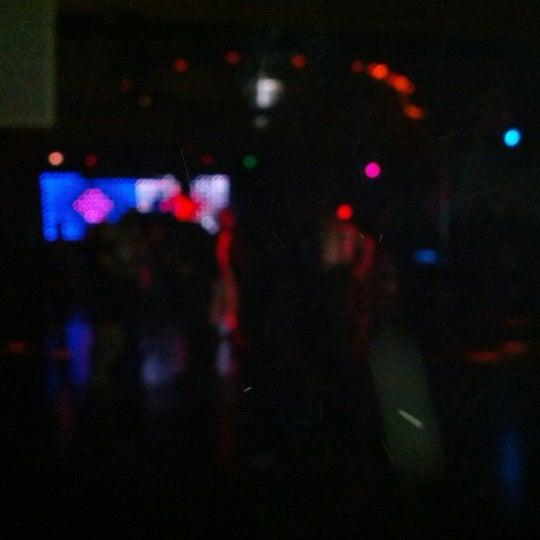 Foto tomada en Das Bunker por Kae F. el 10/27/2012