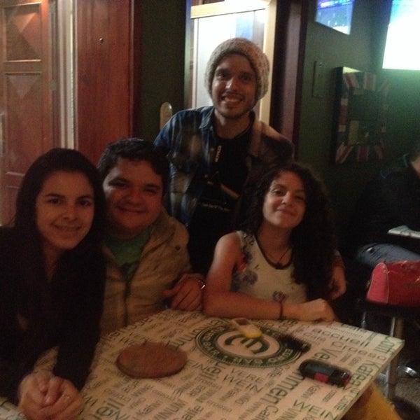 5/17/2014 tarihinde Gabriela R.ziyaretçi tarafından Café Euro Bar'de çekilen fotoğraf