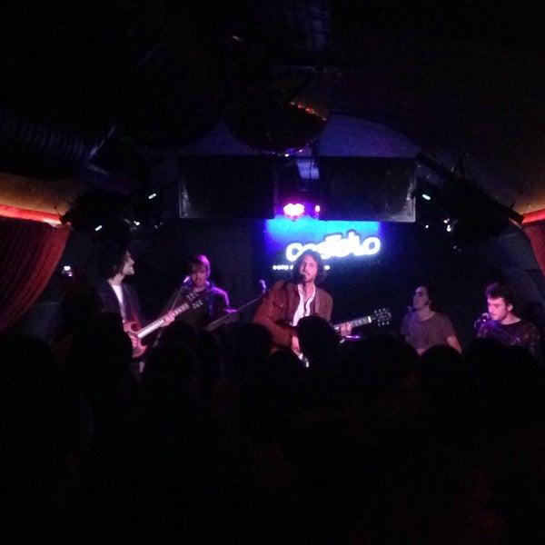 Foto tirada no(a) Costello Club por Armando M. em 1/27/2016