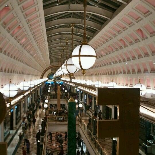 Foto tomada en Centro Comercial Gran Vía 2 por Elena R. el 11/3/2012